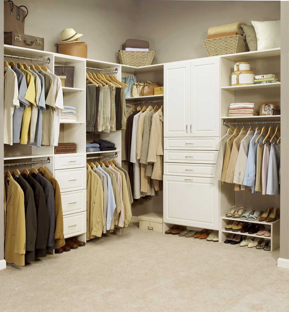 How To Effectively Clean And Organize Your Closet