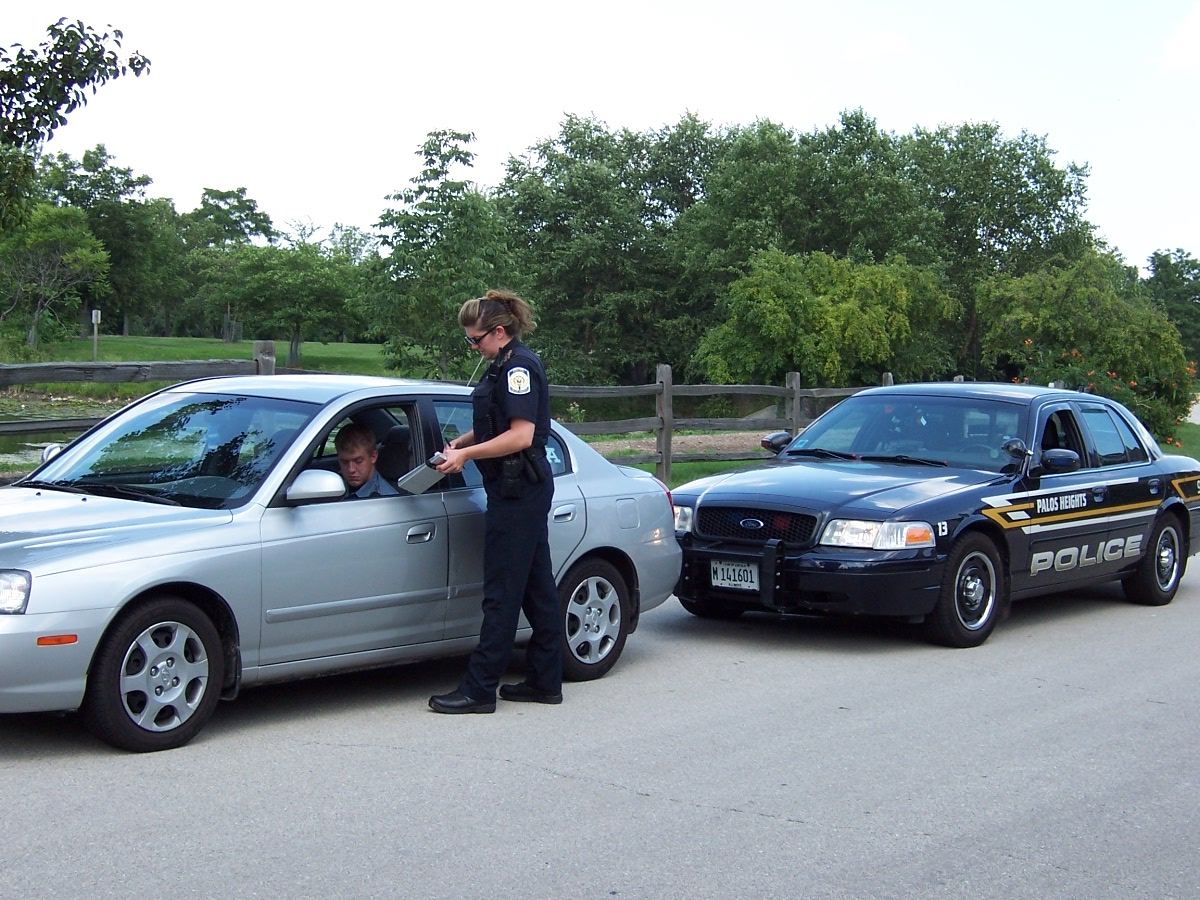 Traffic Cop Pull Over : The impact of traffic tickets on finances why not to speed