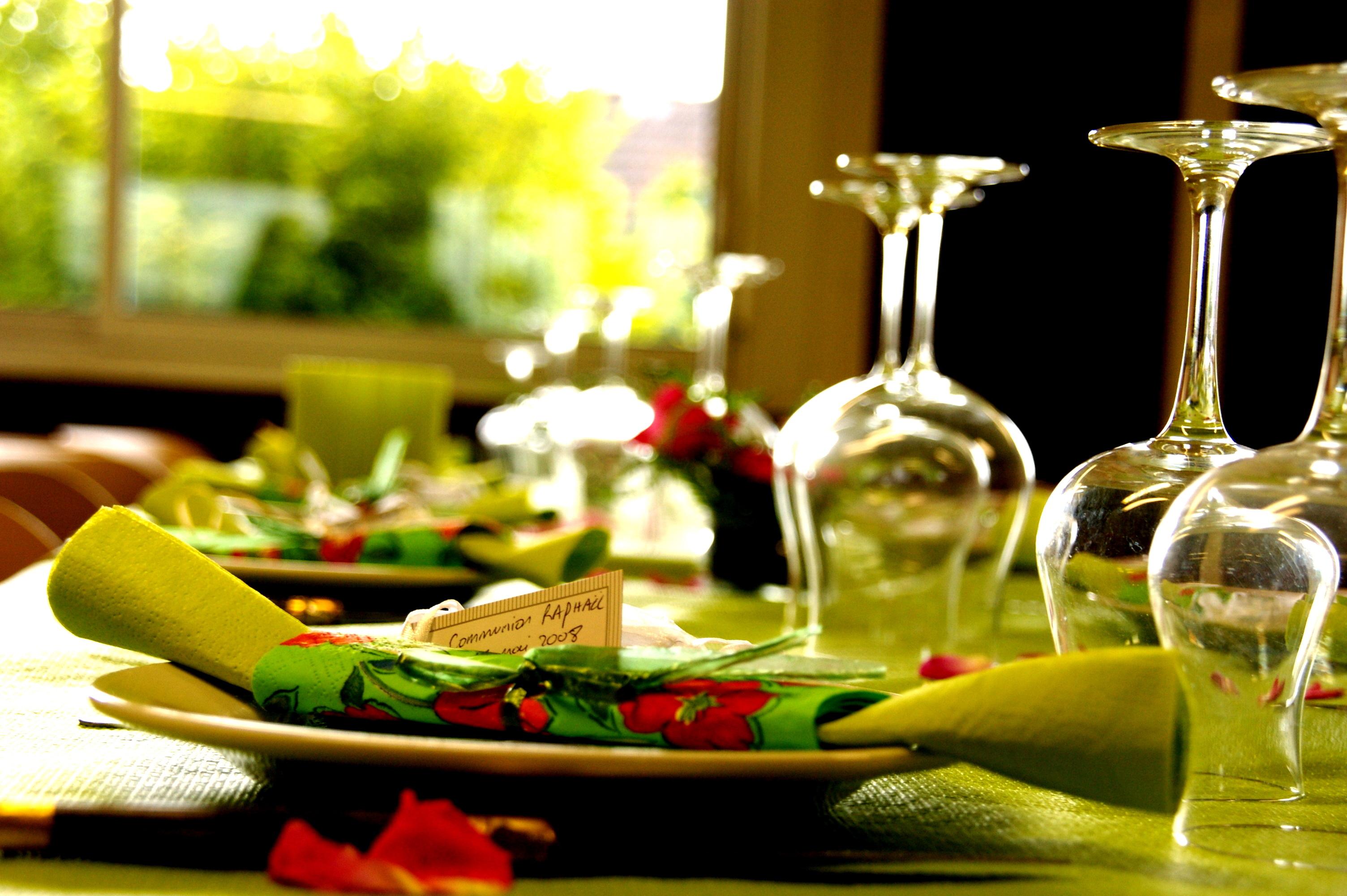 http://lerablog.org/wp-content/uploads/2013/07/Restaurant-Business.jpg