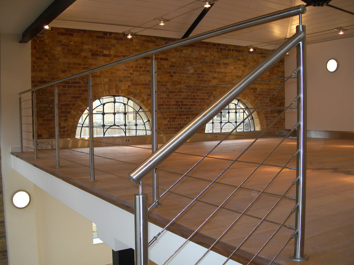 How to Use Wire Balustrades to Enhance Your Home Interiors