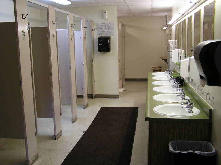 Tips For A Cleaner Public Bathroom