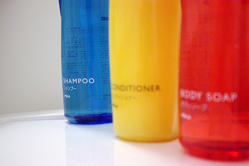 Types and Advantages of Chemical Free Shampoos