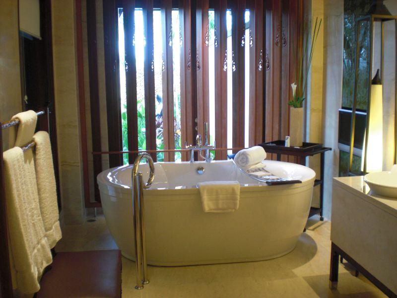 Big bathtub