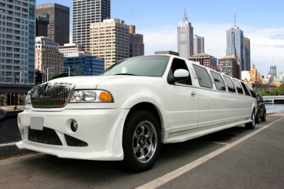 Things to Consider When Planning to Rent a Limo