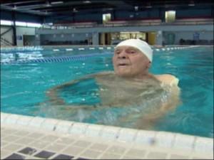 old-man-swimming