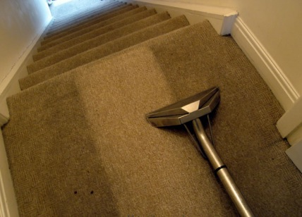 Different Methods of Cleaning a Carpet