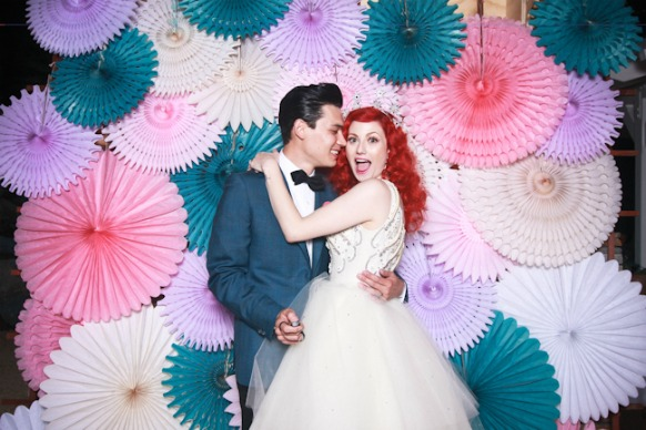 How to Select Photobooth Frames for Your Wedding