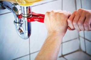 DIY-Plumbing-vs.-Hiring-Contractors