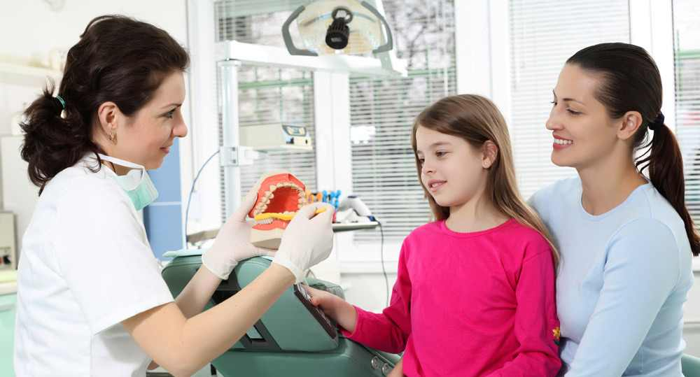 dentist-child-mother