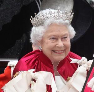 queen-elizabeth-ii_tiaras_jewellery--w=1200 (2)