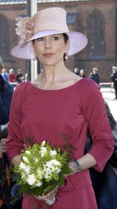 crown-princess-mary_hats--w=360_fit=crop_rect=283,0,2413,4288