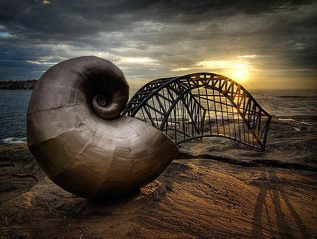shell-bridge-sculpture