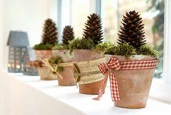 decorating the window sill - Window Sill Christmas Decorations