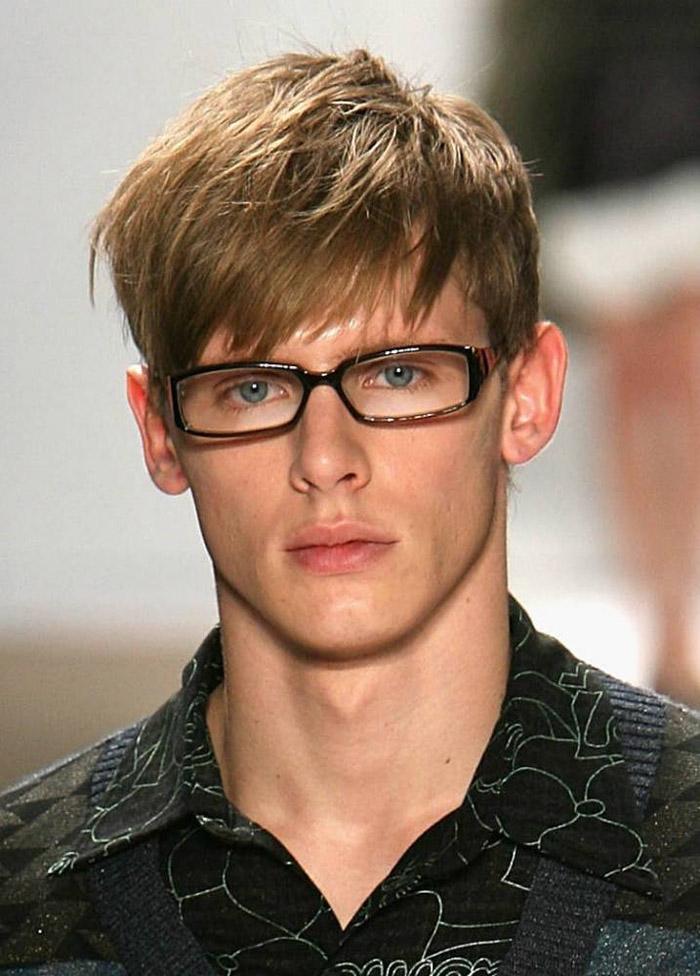 Medium cut hairstyle