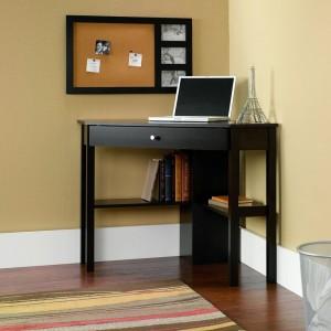 small-corner-computer-desk