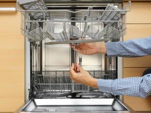 photodune-8696528-handyman-repairing-a-dishwasher-m