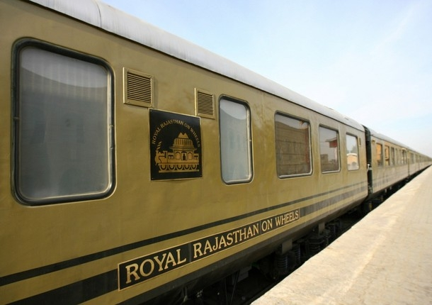 royal-rajasthan-on-wheels-train-qufx_l (1)
