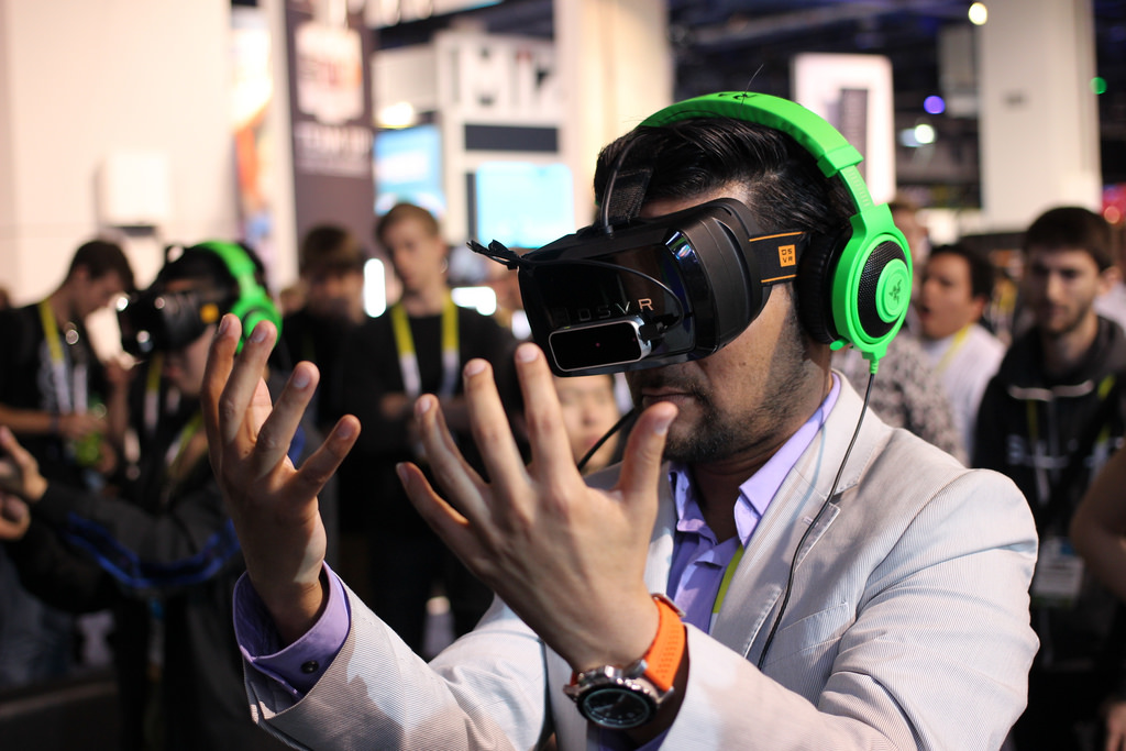 How Virtual Reality Can Boost Workplace Productivity