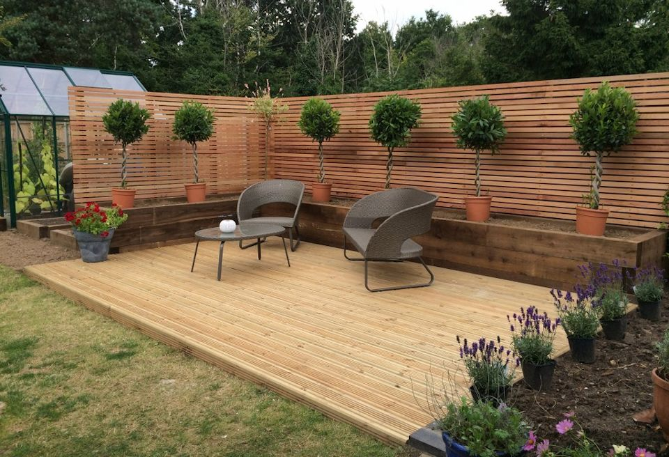 How to make the most of your gardens decking for Garden decking designs uk