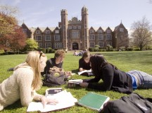 How to Manage Money as a College Student