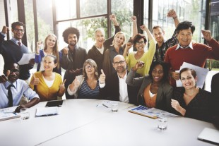 Casting Your Gaze – 5 Tips For Managing a Large Team