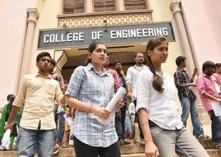7 Things To Consider When Choosing Right Engineering College