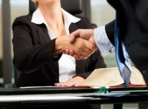 How to Save Money When Hiring a Personal Injury Lawyer