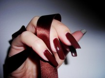 Using Nails as an Extra Source of Income