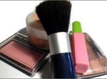 Opt for Home Based Makeup Business to Earn Extra Bucks