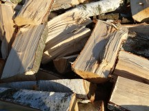 Steps to Efficiently Cut and Split Firewood