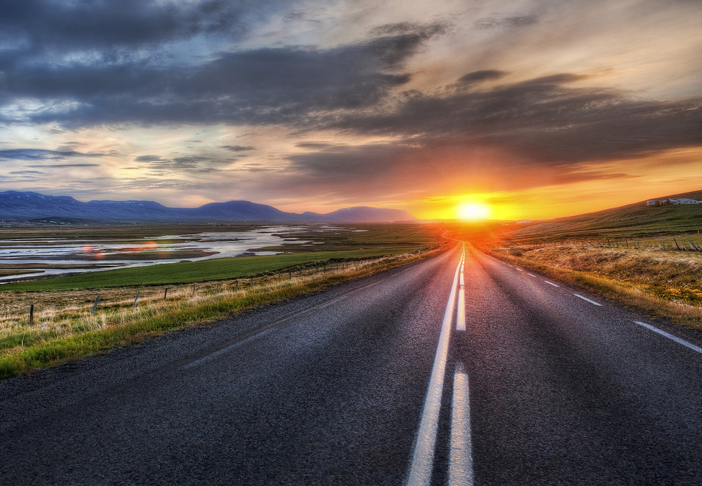 Driving Tips for a Summer Road Trip