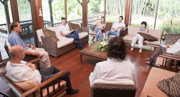 The Benefits of a Luxury Rehab Center for Addicts