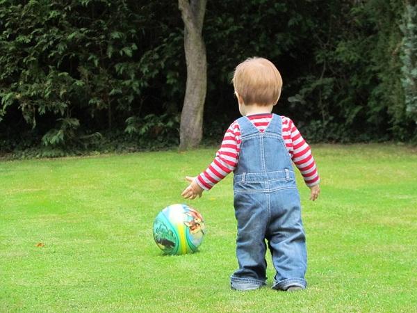 Fun Garden Child Playing Young Youth Play Boy