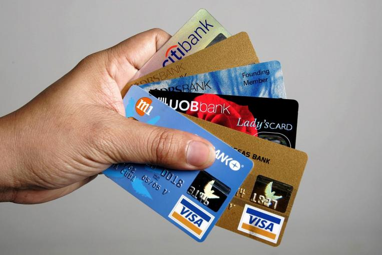 How To Choose The Right Credit Card in Singapore