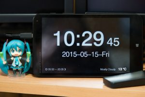 How to use a clock and calendar in real time to implement an electronic clock