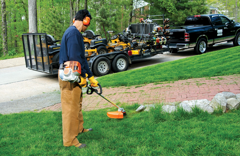 How to Effectively Use a String Trimmer