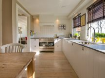 How to Freshen Up A Tired Kitchen