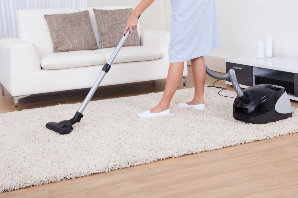 How to Use a Vacuum Cleaner Properly