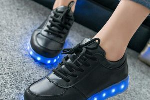 5 Fashion Trends to Wear Your LED Shoes