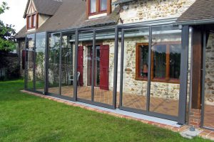 Advantages of Retractable Patio Enclosures