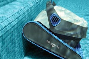 Things to Consider When Buying a Robotic Pool Cleaner