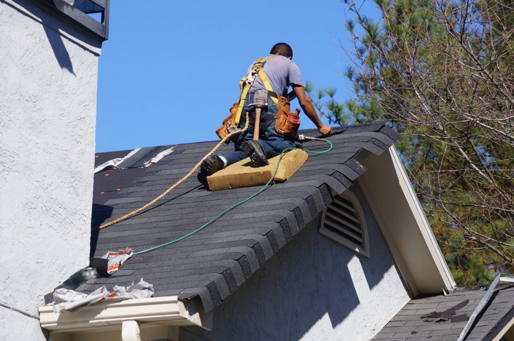 8 Tips for Getting the Good Deal on a New Roof in Ann Arbor