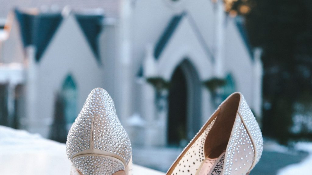 Essential Tips When Shopping For Wedding Shoes