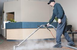 Top 6 Tips for Choosing Commercial Cleaning Equipment