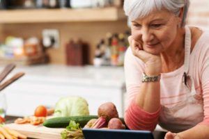 Best Tips for Women Over 40 on How to Eat to Maintain Health and Weight
